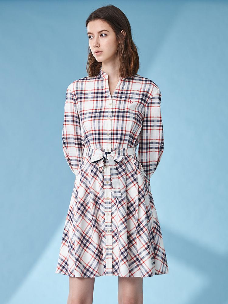 格纹Y型领七分袖连衣裙