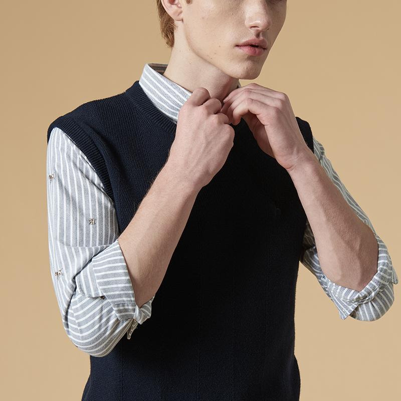 素色羊毛背心
