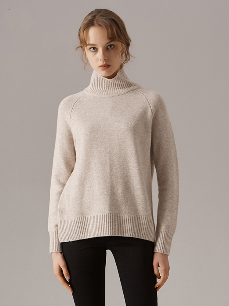 小狗LOGO绣羊绒混纺高领羊毛衫